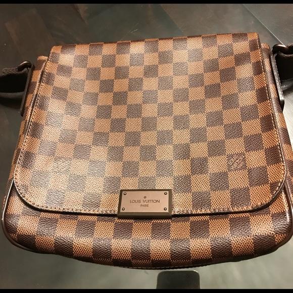 Louis Vuitton Handbags - Authentic Louis Vuitton District PM Messenger Bag fd383cfeae31e